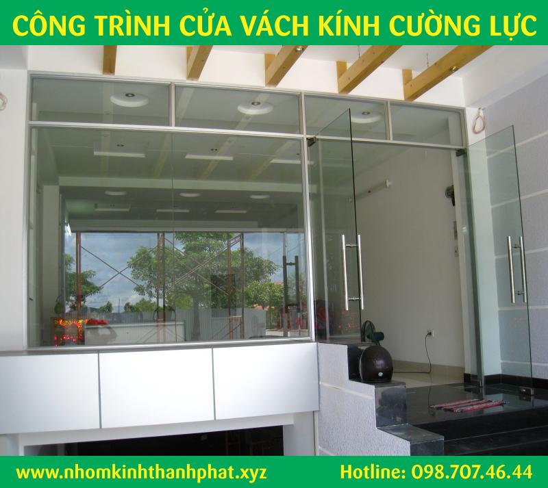 Làm cửa kính shop, cửa hàng quận Bình Tân