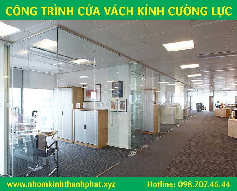 Làm cửa kính vách kính cường lực văn phòng công ty quận Bình Tân