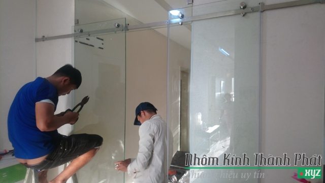 dịch vụ sửa chữa đồ nhôm kính